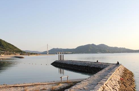 瀬戸田サンセットビーチ 多々羅大橋を眺める