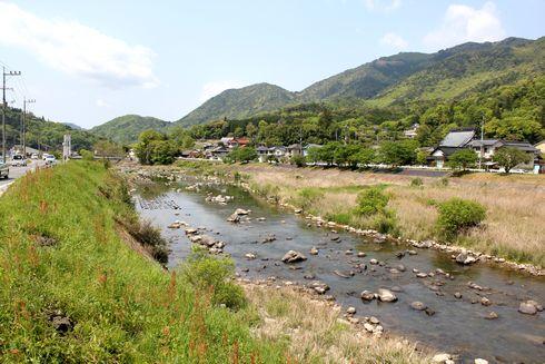 白木街道と三篠川