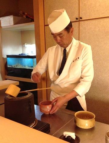 てんぷら 天甲本店、ミシュランガイド広島版 2つ星の店、お茶をたててくれる