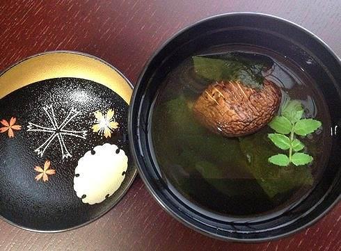 桃花庵ランチ(お抹茶付) 広島市安佐北区の日本料理店 お吸い物