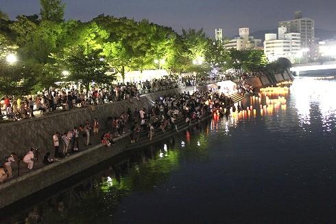 広島 とうろう流しの画像2