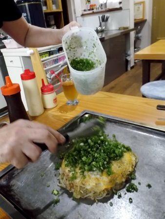 お好み焼きコバヤシ ヒバゴンネギたっぷりの庄原焼き3