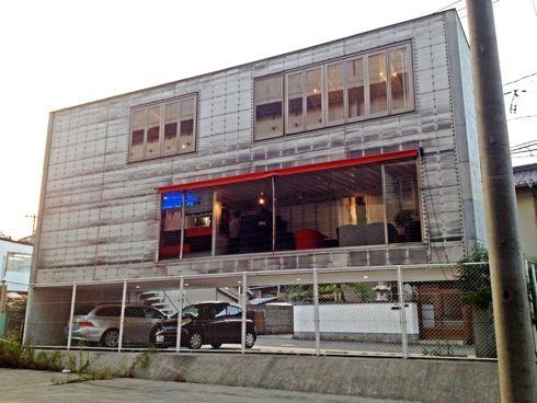 カフェ ガルリ(galerie)、海田大橋を臨むギャラリー風カフェ
