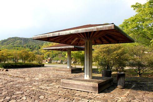 バンブージョイハイランド 屋根つきベンチ