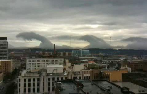 ケルビン・ヘルムホルツ不安定性の波、アラバマ州に現れた雲津波