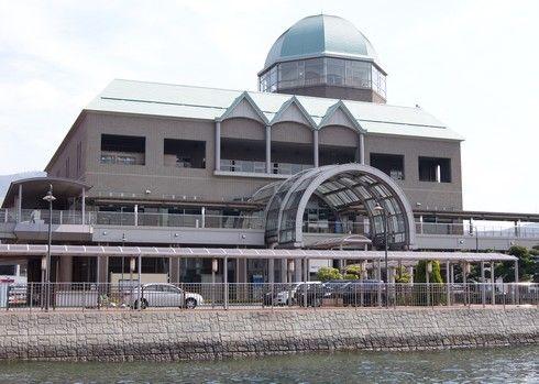 艦船めぐり、受付は呉港ターミナル
