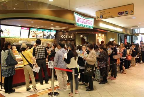 クリスピークリームドーナツ、アルパーク店は2階入口にオープン!行列も