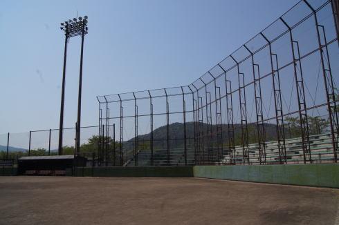 瀬野川公園の野球場