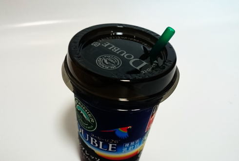 コンビニ チルドカップコーヒーのフタ 使い方