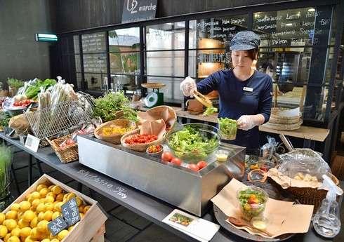 尾道U2 マルシェ、毎週土日に採れたてオーガニック野菜など