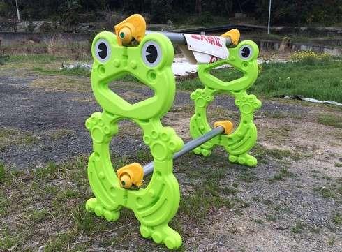 カエルの単管バリケード