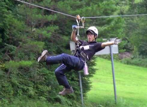 ジップラインでターザン体験!広島 夏のスキー場で刺激的なアトラクション