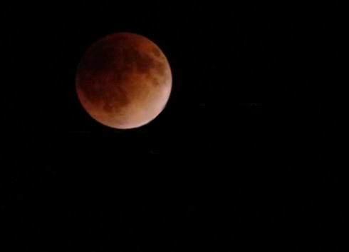 2014年10月8日皆既月食、赤い満月はいつ?時間帯は?