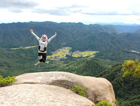 三倉岳 登山、ドキドキ初の鎖場超えで感動ビュー!
