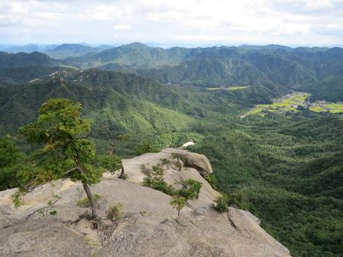 三倉岳 夕陽岳の展望岩からの景色