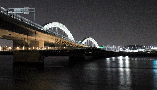 ライトアップされた太田川大橋、歩きたくなる橋をぶらり散歩