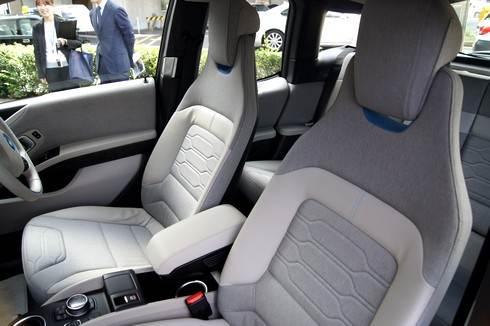 BMWiの車内とシート