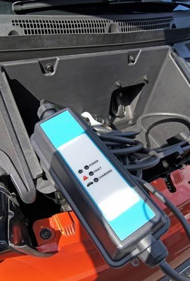BMWi3、家庭で充電できる