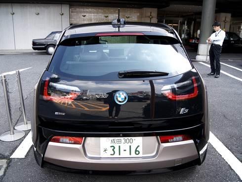 BMW i3の後姿