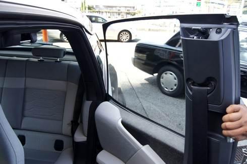 BMWi ドアは観音開き