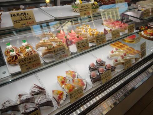 三次のパン屋さん カドー(CADEAU) ケーキたち