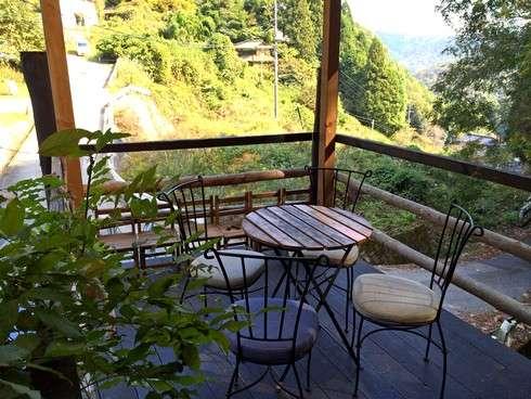 広島市 山のパン屋のテラス席