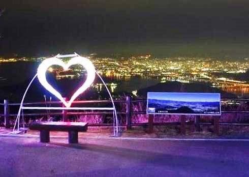 広島の夜景を一望できる絵下山頂に、イルミネーション点灯中
