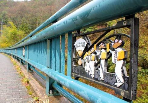 欄干アート!橋に描かれたご当地アートたち