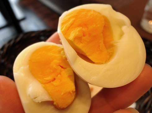 シルビアコーヒー、モーニングサービスでトーストと卵が付いてくる