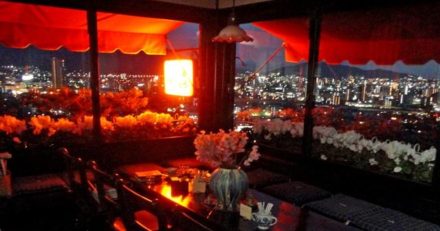 赤い屋根 から見る夜景