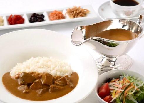 広島グランドホテルのレシピで復刻!懐かしのビーフカレー