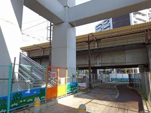 JR新白島駅 ホームの様子
