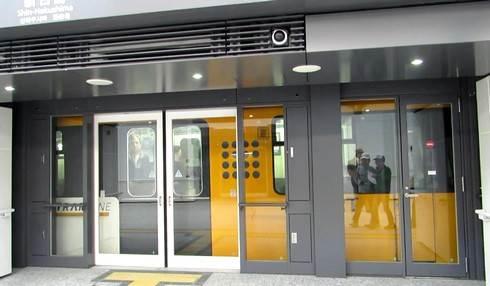 アストラムライン新白島駅のホーム
