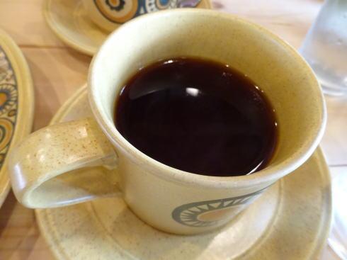 三次カフェ マイクアンドシャーリー 紅茶