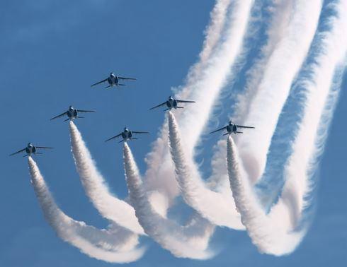 美保基地航空祭2015にブルーインパルス!大空に夢描く