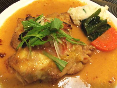 東広島のレストラン ドリーム メイン料理(グリルチキンのマスタードソース)