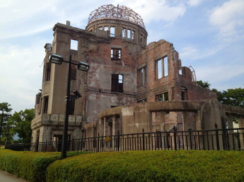 原爆ドーム、広島をみつめ続けて100年