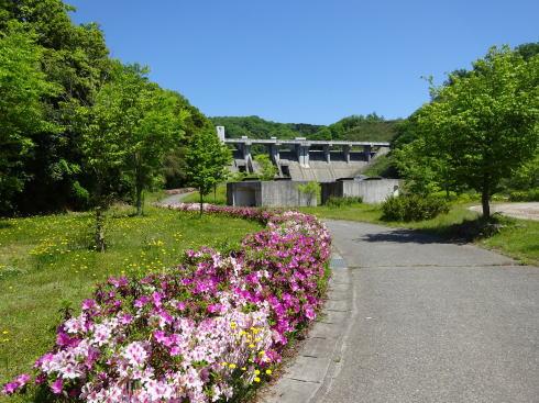 灰塚ダム ダム記念公園の様子