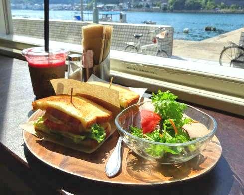 ジュース&サンドイッチ フルール、朝7時からOKの尾道水道カフェ