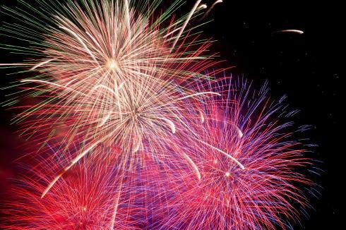 売り切れ必至、2015宮島花火の観覧席予約がスタート
