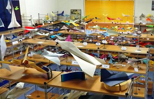 紙ヒコーキ博物館、福山市にはギネス記録を持つ紙飛行機の聖地があった!