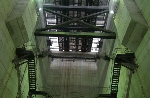 瀬戸大橋 アンカレイジから見る線路