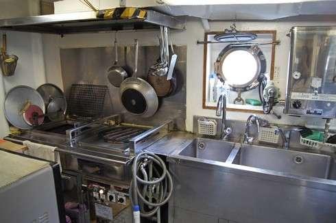 水産研究所 しらふじ丸のキッチン