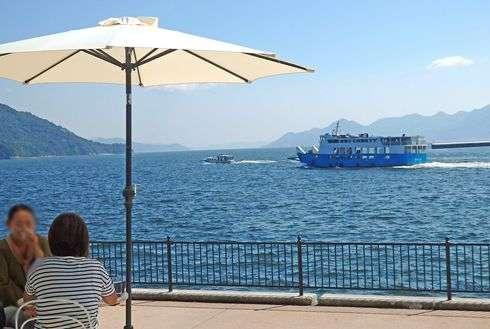 宇品倉庫 FLEX内 カフェ、 24/7 はママと子供がくつろげる海の見渡せるカフェ