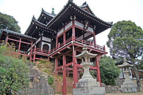 竹原 町並み保存地区 一望するお寺
