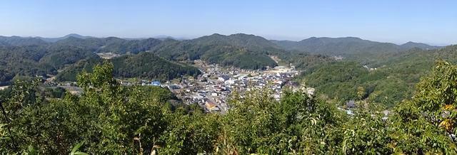 翁山公園 から見る上下の町並み 画像2