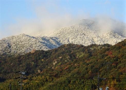 広島市で初雪観測、平年と比べて14日早く