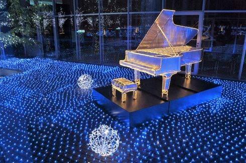 三原ポポロのイルミネーション ハープにピアノ