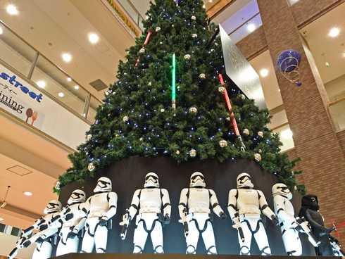 今年はスターウォーズ!広島のクリスマスツリーに映画公開記念で