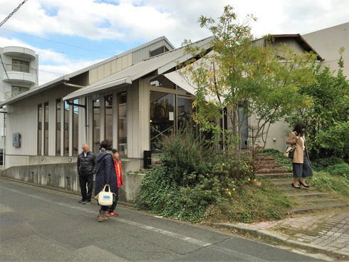 福山のコーヒー店 エクストラクターズコーヒー バイ ノックワイ 外観